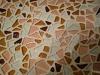заполнение швов мозаики затиркой на цементной основе
