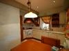 керамическая плитка в кухне на полу и стене